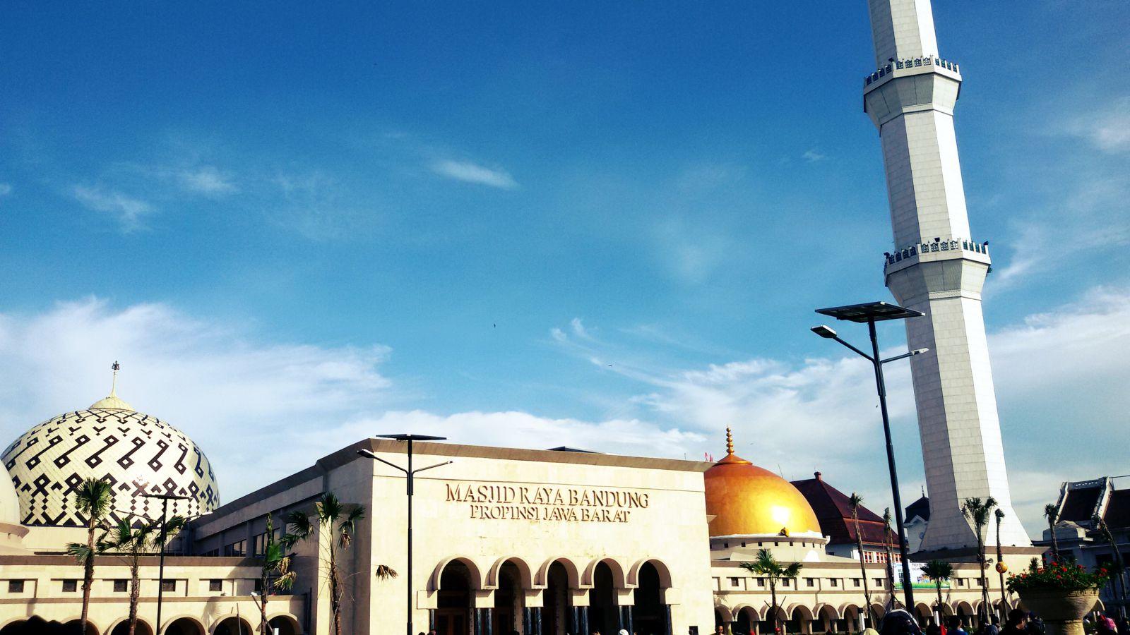 Wisata Masjid Agung  Of Bandung