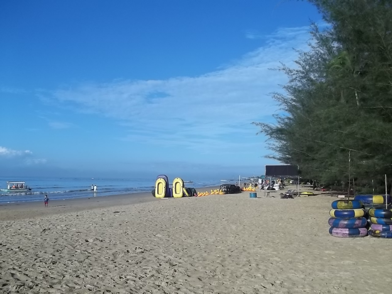 Keindahan Pantai Manggar Segarasari di Kota Balikpapan