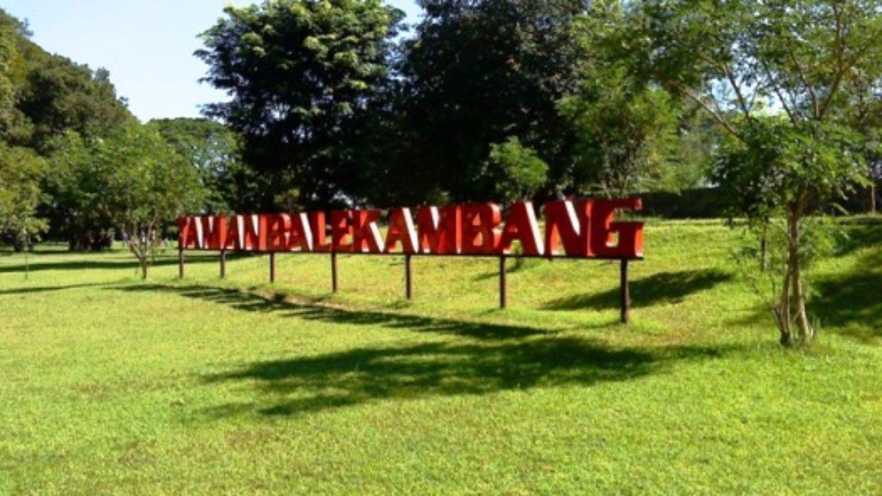 Di Taman Miniatur Dunia New Balekambang Tawangmangu